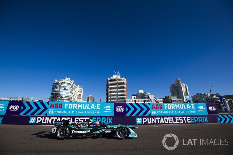 Nelsinho Piquet teve problemas com o primeiro carro e teve que abandonar no final.