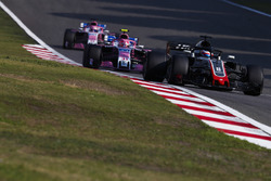 Romain Grosjean, Haas F1 Team VF-18 Ferrari, Esteban Ocon, Force India VJM11 Mercedes y Sergio Pérez, Force India VJM11 Mercedes