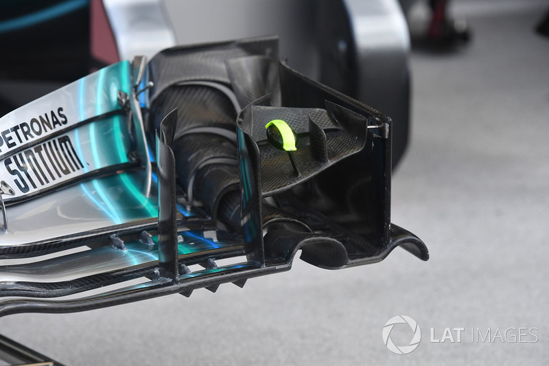 Mercedes-AMG F1 W09 nose and front wing detail