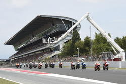 Marc Marquez, Repsol Honda Team, Jorge Lorenzo, Ducati Team, race start
