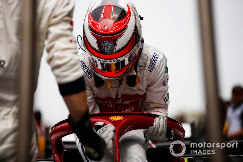Kimi Raikkonen, Alfa Romeo Racing on the grid