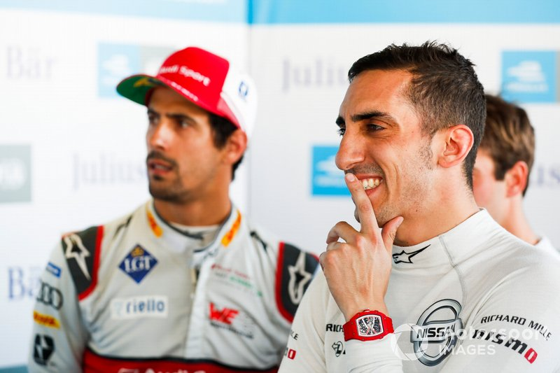 Sébastien Buemi , Nissan e.Dams and Lucas Di Grassi , Audi Sport ABT Schaeffler watch the qualifying laps