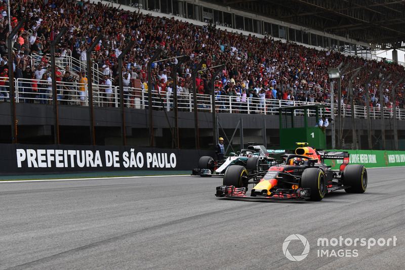 Макс Ферстаппен, Red Bull Racing RB14, Льюіс Хемілтон, Mercedes-AMG F1 W09