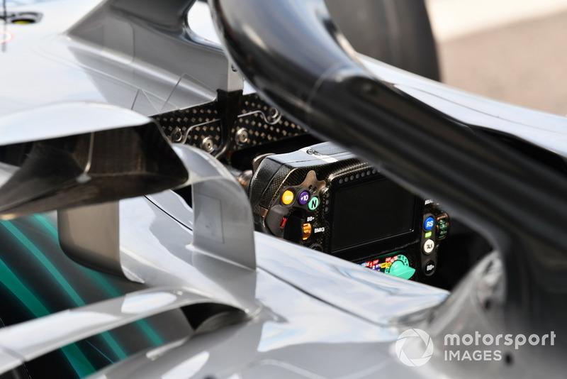 Mercedes-AMG F1 W09 steering wheel detail