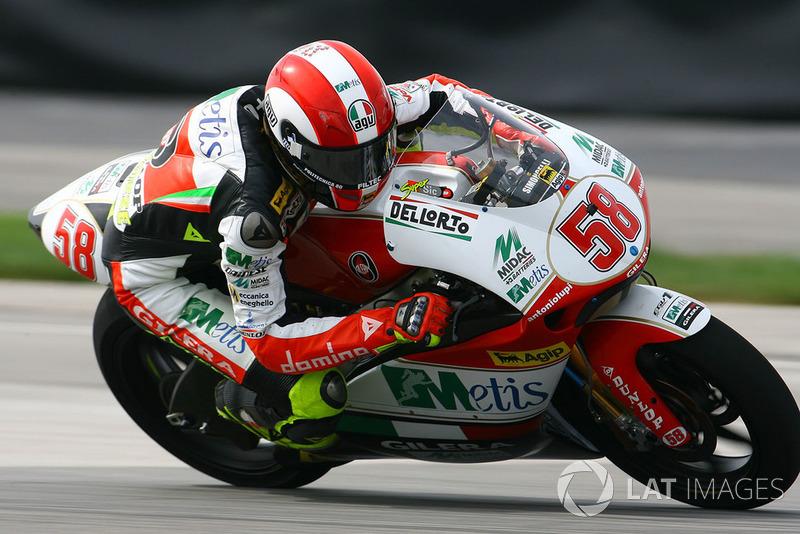 "<img class=""ms-flag-img ms-flag-img_s1"" title=""Italy"" src=""https://cdn-3.motorsport.com/static/img/cf/it-3.svg"" alt=""Italy"" width=""32"" /> Marco Simoncelli"