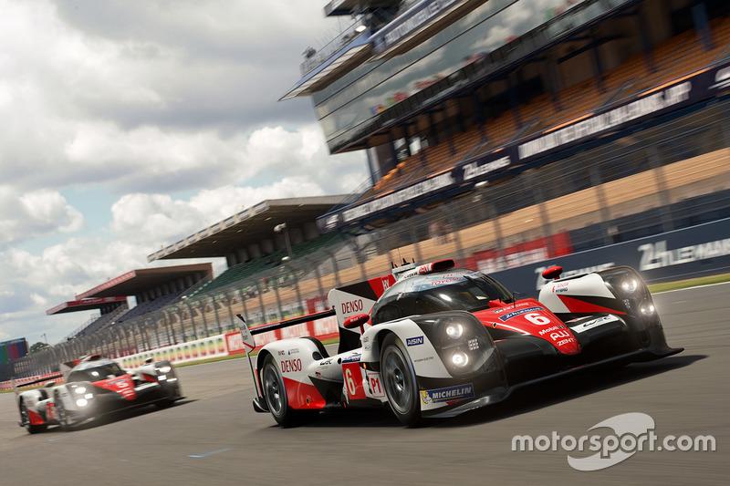 Los dos Toyota TS050 Hybrid en GT Sport