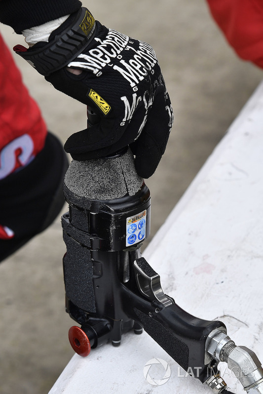 Kyle Busch, Joe Gibbs Racing, Toyota Camry Skittles speed gun