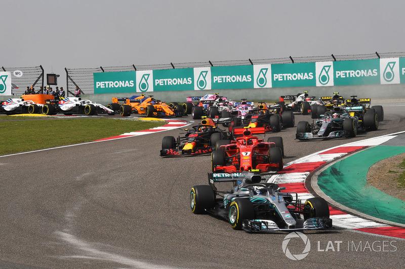 Valtteri Bottas, Mercedes-AMG F1 W09 EQ Power+ au départ