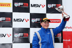 Podium: derde Billy Monger, Carlin