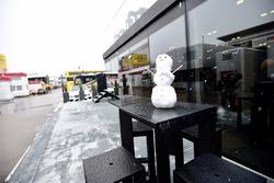 Mercedes AMG F1 snowman