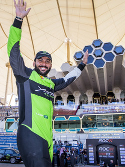 Yazeed Al-Rajhi waves to the crowd