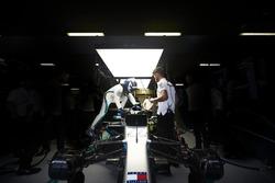 Valtteri Bottas, Mercedes AMG F1, climbs into his car