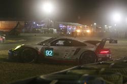 Accident de la #92 Porsche GT Team Porsche 911 RSR: Michael Christensen, Kevin Estre, Dirk Werner