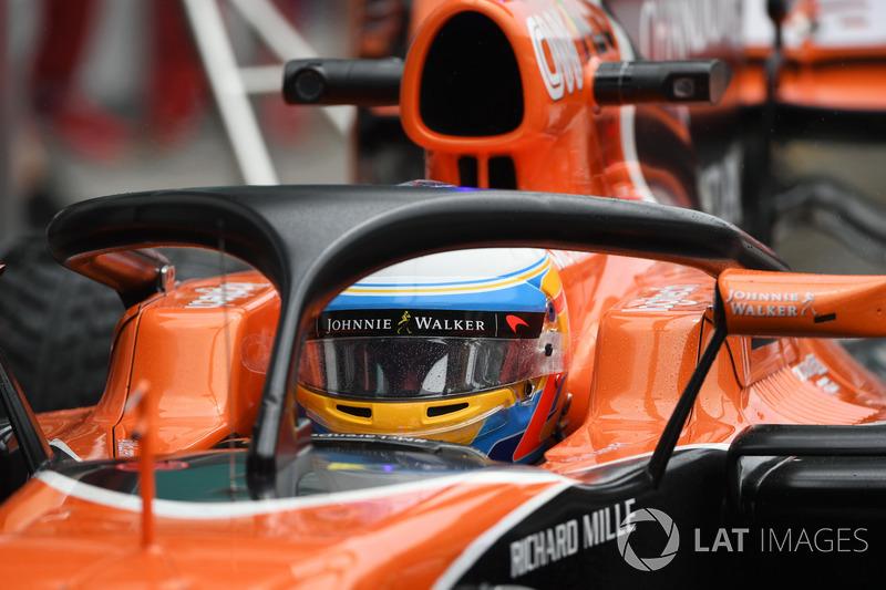 Fernando Alonso, McLaren MCL32 con el halo