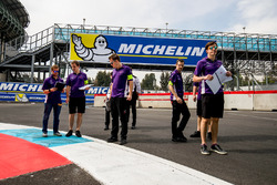 Trackwalk: Sam Bird, DS Virgin Racing