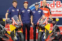 Nicky Hayden, Honda World Superbike Team; Stefan Bradl, Honda World Superbike Team (Screenshot)