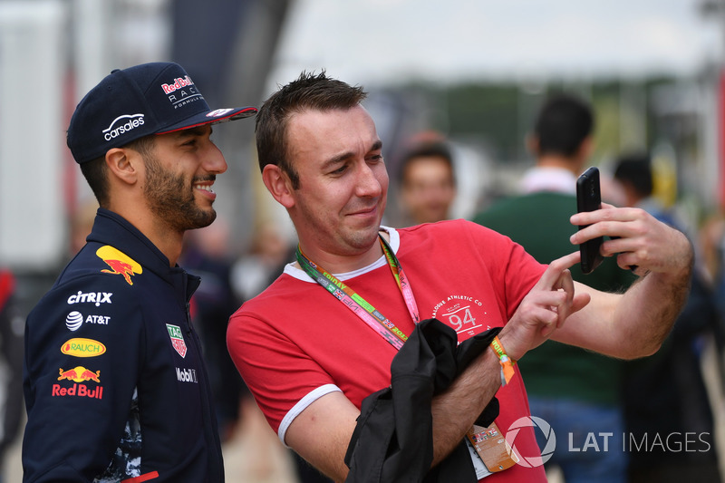 Daniel Ricciardo, Red Bull Racing con un fan