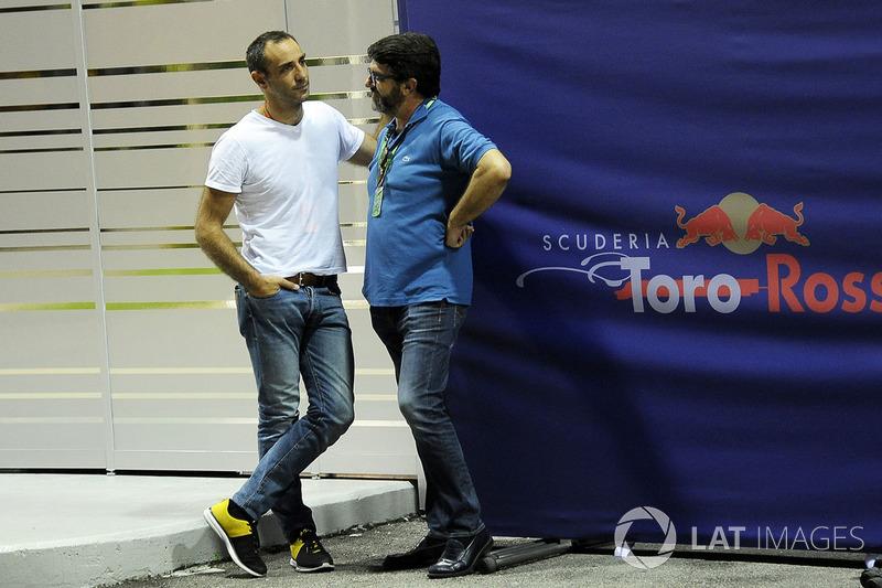 Cyril Abiteboul, Renault Sport F1, Geschäftsführer, Luis Garcia Abad, Manager von Fernando Alonso