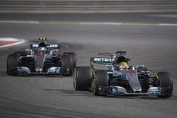 Valtteri Bottas, Mercedes F1 W08, Lewis Hamilton, Mercedes F1 W08