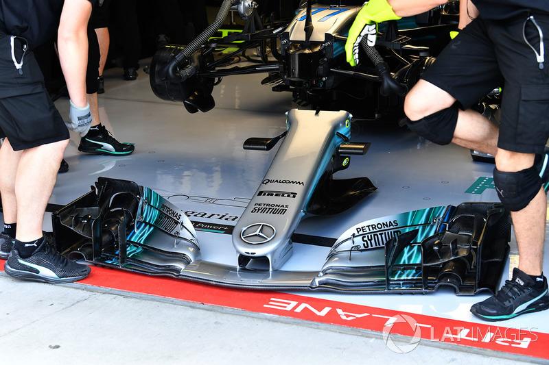 Mercedes-Benz F1 W08 Hybrid nariz y el ala delantera
