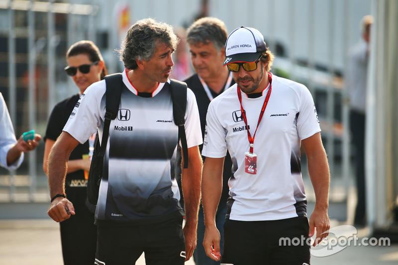 Fernando Alonso, McLaren with Edoardo Bendinelli, Personal Trainer