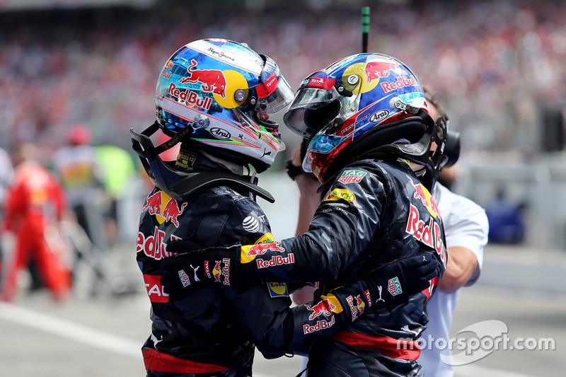 Max Verstappen, Red Bull Racing; Daniel Ricciardo, Red Bull Racing