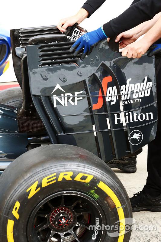 McLaren arka kanat yan duvarı detay