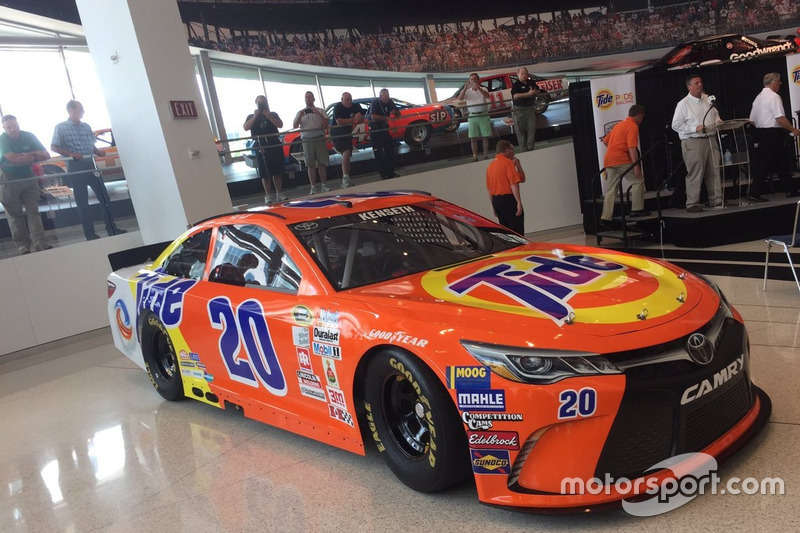 Gallery: All NASCAR throwback paint schemes for the Southern 500