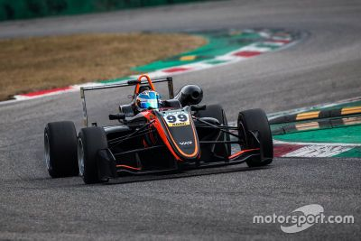 Sophia Flörsch testet Formula European Masters