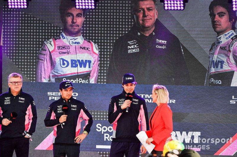 Otmar Szafnauer, director de equipo, Racing Point, Sergio Pérez, Racing Point y Lance Stroll, Racing Point en el evento de Federation Square