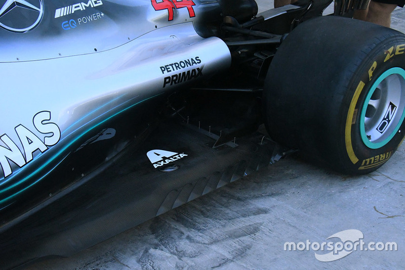 Детали днища Mercedes F1 W09