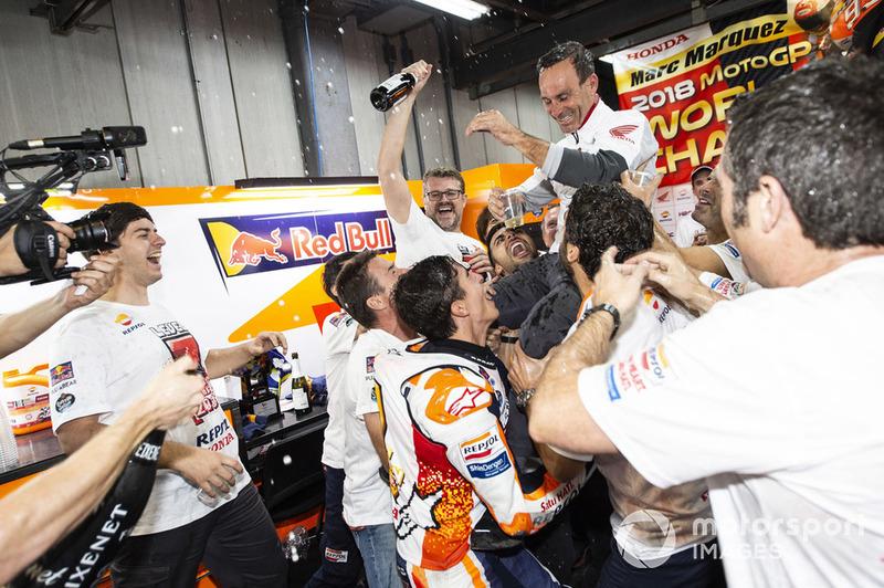 Керівник команди Альберто Пуч, Марк Маркес, Repsol Honda Team, Repsol Honda Team