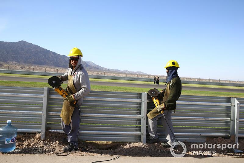 Workforce still working on track
