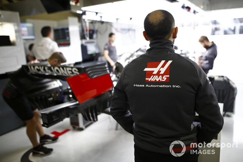 Haas mechanics at work in the team's garage