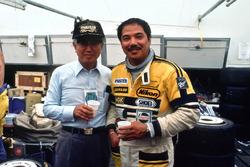 Kenichi Yamamoto, presidente de Mazda y Yojiro Terada