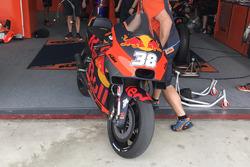 La moto di Bradley Smith, Red Bull KTM Factory Racing con la nuova carena