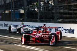 Jerome D'Ambrosio, Dragon Racing, precede Neel Jani, Dragon Racing