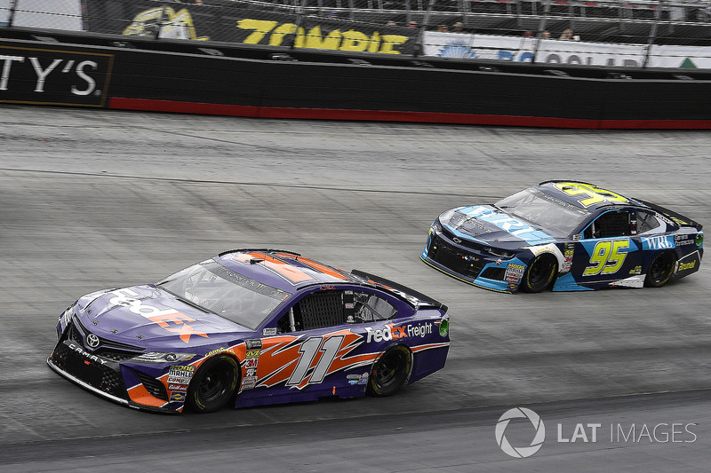 Denny Hamlin, Joe Gibbs Racing, Toyota Camry FedEx Freight and Kasey Kahne, Leavine Family Racing, Chevrolet Camaro WRL General Contractors