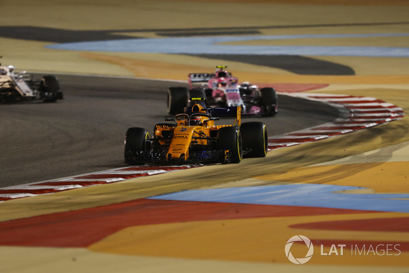Stoffel Vandoorne, McLaren MCL33 Renault, Esteban Ocon, Force India VJM11 Mercedes, and Marcus Erics