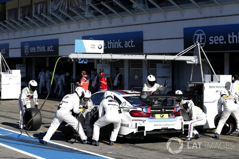 Pit stop, Tom Blomqvist, BMW Team RBM, BMW M4 DTM