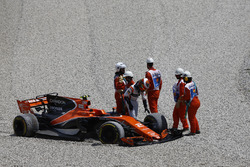 Stoffel Vandoorne, McLaren, retires after contact, Felipe Massa, Williams FW40