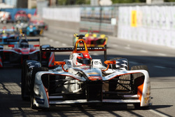Loic Duval, Dragon Racing, leads Nick Heidfeld, Mahindra Racing