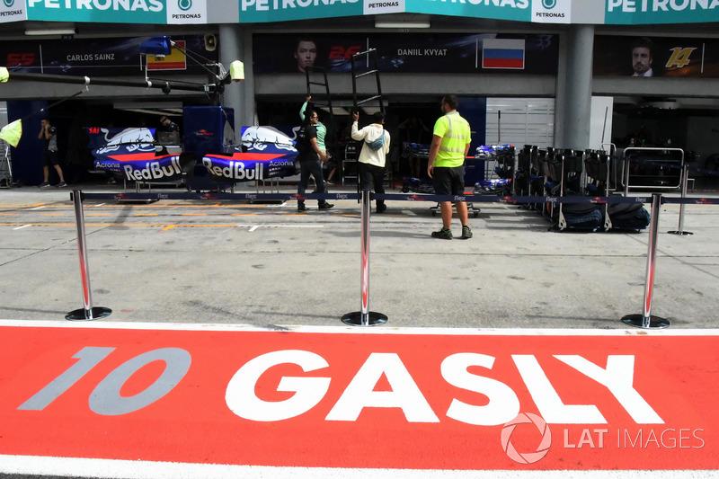 The garage of Pierre Gasly, Scuderia Toro Rosso