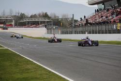 Carlos Sainz Jr., Scuderia Toro Rosso STR12; Romain Grosjean, Haas F1 Team VF-17; Valtteri Bottas, Mercedes AMG F1 W08; Nico Hülkenberg, Renault Sport F1 Team RS17