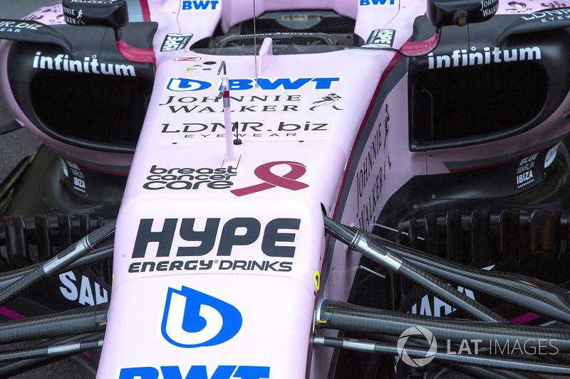 Logo de la Asociación de tratamiento del cáncer de mama en el morro de Force India VJM10