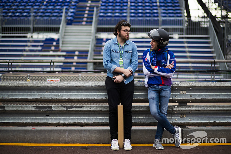 Autosport Feature Editor Scott Mitchell, with Robin Frijns, Amlin Andretti Formula E Team
