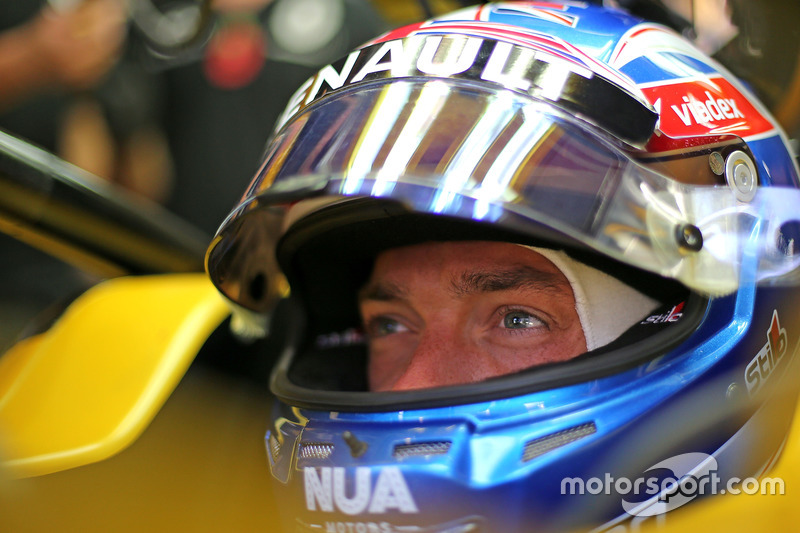 Jolyon Palmer (GBR) Renault Sport F1 Team   11.11.2016. Formula 1 World Championship, Rd 20, Brazilian Grand Prix, Sao Paulo, Brazil, Practice Day. - www.xpbimages.com, EMail: requests@xpbimages.com - copy of publication required for printed pictures. Every used picture is fee-liable. © Copyright: Charniaux / XPB Images