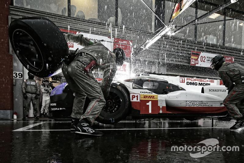 9. #1 Porsche 919 Hybrid: Neel Jani, Andre Lotterer, Nick Tandy