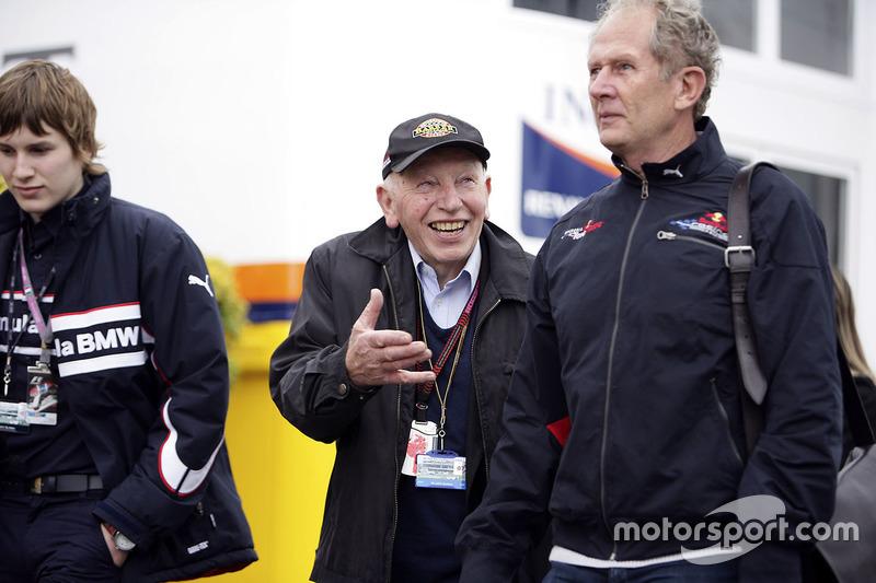 John Surtees, oğlu Henry ve Dr Helmut Marko, Red Bull Motorsporları Danışmanı