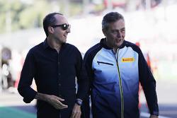 Robert Kubica, Mario Isola, directeur de la compétition de Pirelli